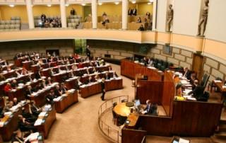 Eduskunnan täysistunto 15.12.2010, käsittelyssä vuoden 2011 valtion talousarvio.